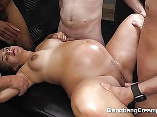 18YO 8 MONTHS PREGNANT FUCKED BY 5 GUYS blowjob cumshot