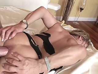 Cheating wife gets fucked amateur anal